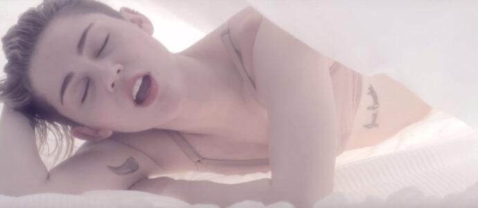 "Miley Cyrus, un nouveau clip sensuel avec ""Adore You"""