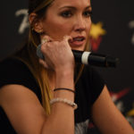 Katie Cassidy - Panel Super Heroes Con 2 - photo : Roster Con / Youbecom