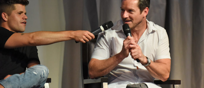 The Full Moon Is Coming Back Again - Charlie Carver & Ian Bohen - Photo : Rostercon.com / Youbecom.fr