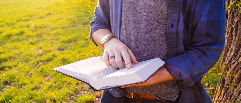 Le lecteur qui lisait plus vite que son ombre