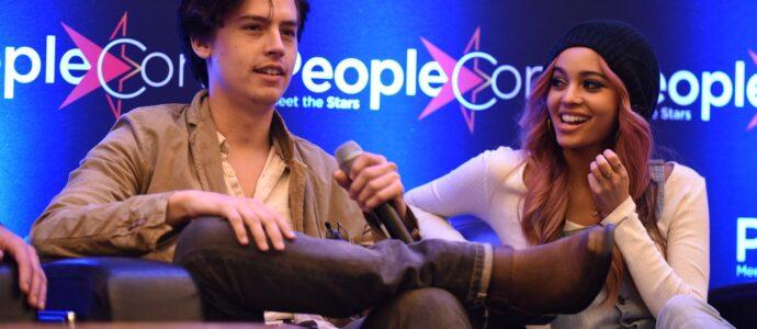 Cole Sprouse & Vanessa Morgan - RIVERCON - Convention Riverdale