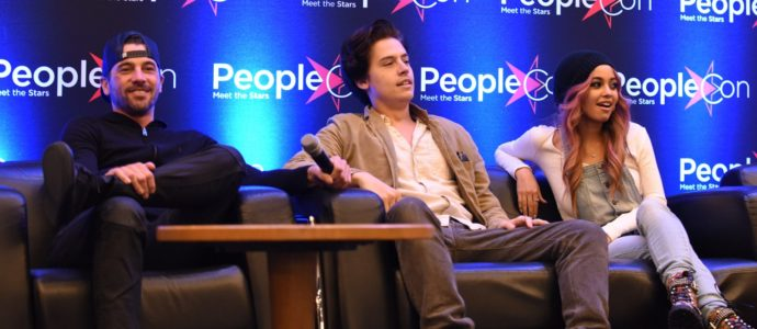 Skeet Ulrich, Cole Sprouse & Vanessa Morgan - RIVERCON - Convention Riverdale