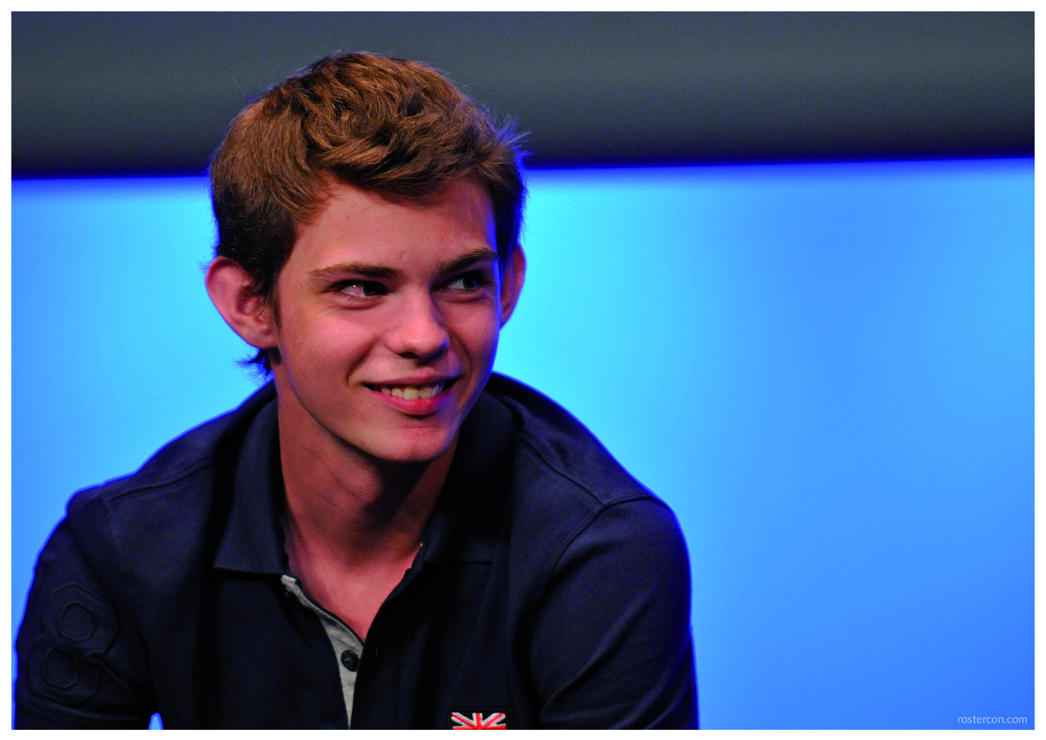 Robbie Kay autograph support #4 – Once Upon A Time | Roster Con