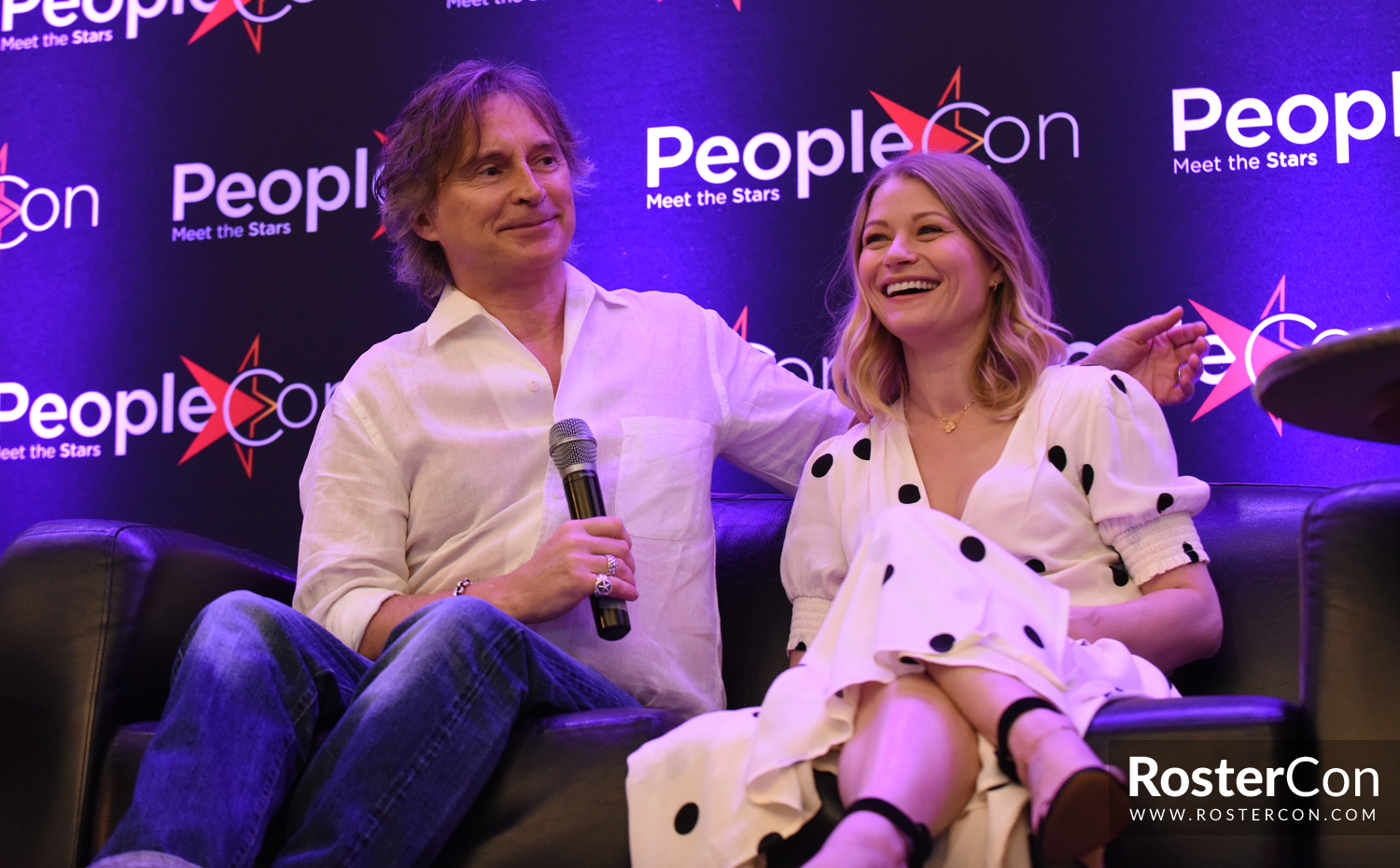 Robert Carlyle & Emilie de Ravin - Once Upon A Time - The Happy Ending  Convention