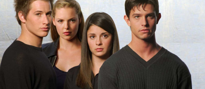 Roswell: the first cast members in the CW reboot pilot