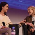 Panel Adelaide Kane & Rachel Skarsten - Reign - Long May She Reign