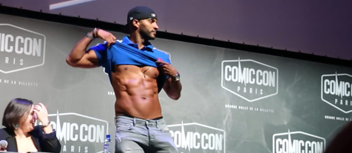 Dance battle entre Orlando Jones et Ricky Whittle au Comic Con Paris 2018