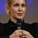Kelly Rutherford – Gossip Girl – You Know You Love Me