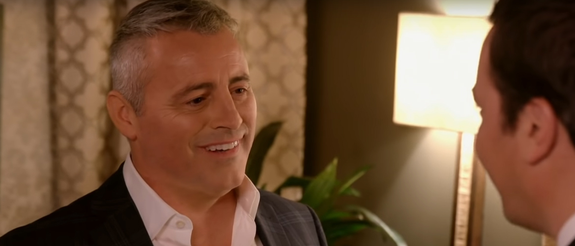 4 or 5 claps in the Friends theme song ? Funny answer by Matt LeBlanc