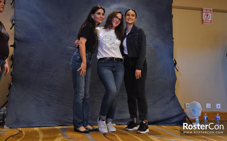 Camila Mendes & Marisol Nichols - Rivercon 2 - Riverdale