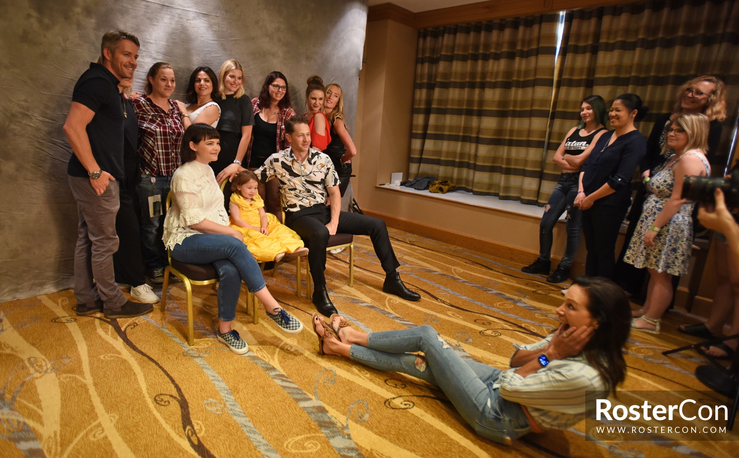 Group Photo - The Happy Ending Convention 3 - Once Upon A Time