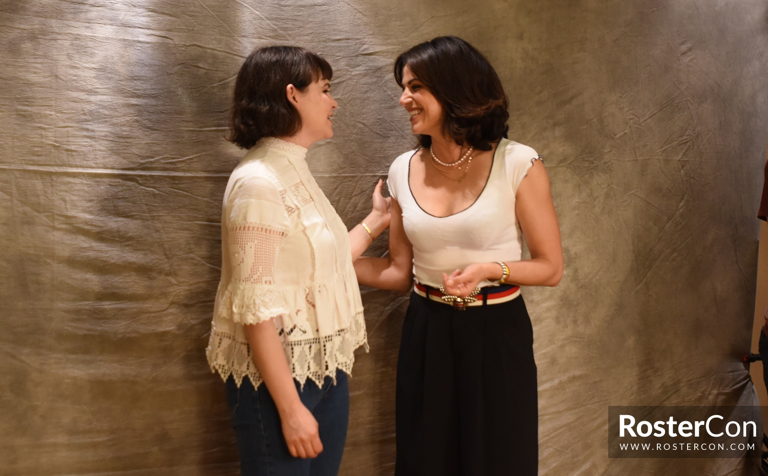 Ginnifer Goodwin & Lana Parrilla - The Happy Ending Convention 3 - Once Upon A Time