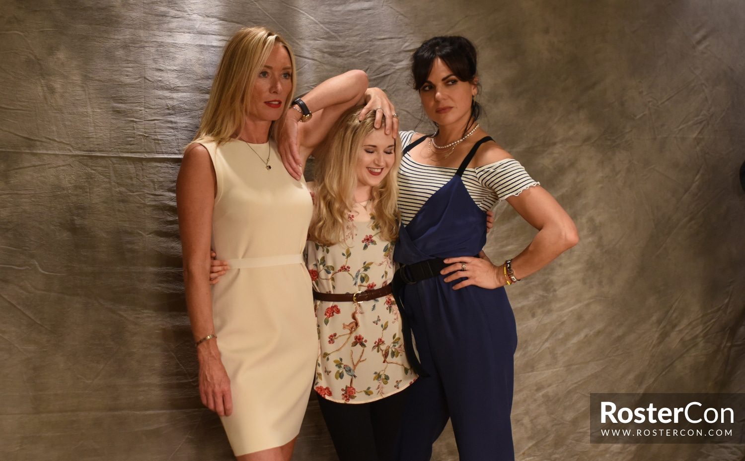 Lana Parrilla & Victoria Smurfit - The Happy Ending Convention 3 - Once Upon A Time