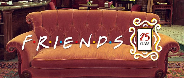 Comic Con Paris : celui qui se faisait prendre en photo sur le canapé de Friends