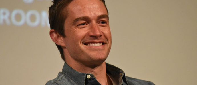 One Tree Hill: Robert Buckley (Clay Evans) in Paris for the 1, 2, 3, Ravens! 2 convention