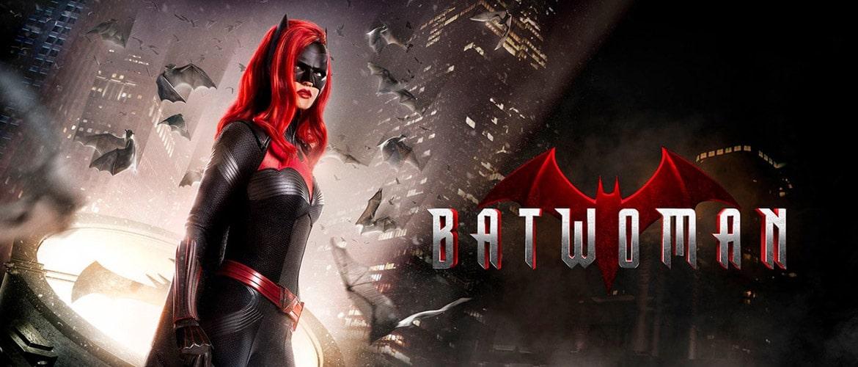 Batwoman : Caroline Dries, créatrice de la série, explique son choix d'introduire un nouveau personnage