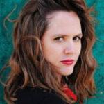 Convention séries / cinéma sur Emily Cox