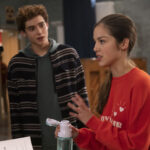 Photo High School Musical: The Musical: The Series – Episode 102: The Read-Through - Joshua Bassett (Ricky) & Olivia Rodrigo (Nini)
