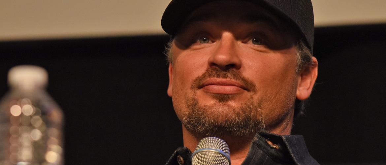 Smallville : Tom Welling annoncé à l'événement virtuel Infinite Earths Heroes